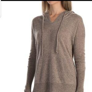 Max Studio 2 ply cashmere sweater sz medium w/hood